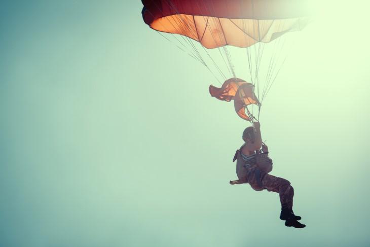 Chiste El Último Paracaídas