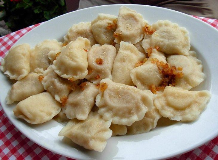 Pierogi Polacos Con Carne y Col