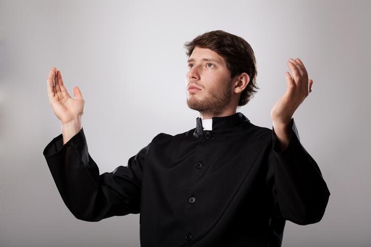 Chiste Sacerdotes