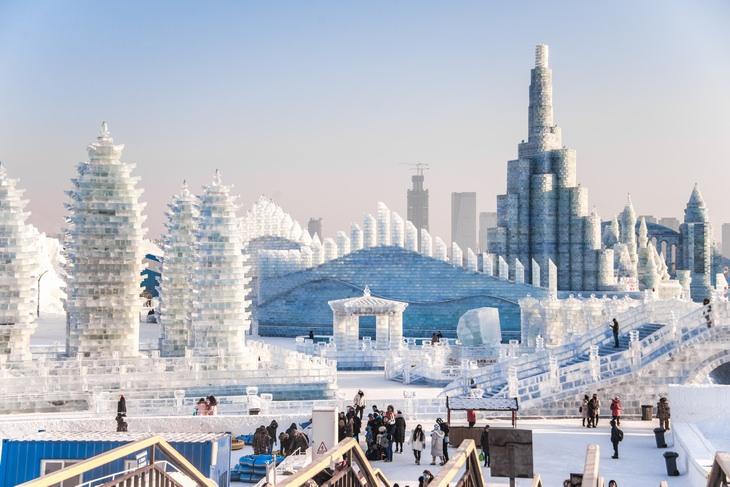 Festival De Esculturas De Hielo De Harbin vista completa