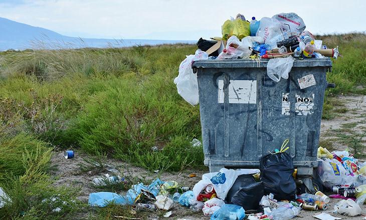 contenedor basura plástico