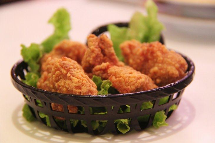 Alimentos con glutamato de sodio pollo frito