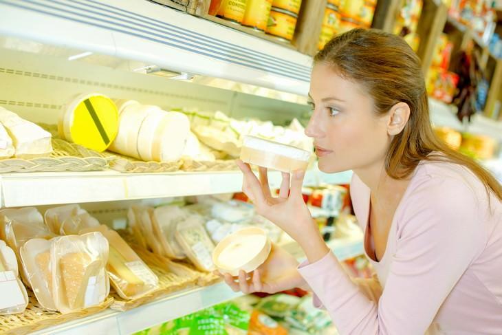 comida caducada que no debes tirar queso