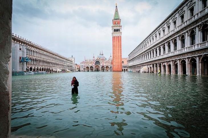 Inundada Venecia Piazza San Marco (Plaza de San Marcos) en 2019