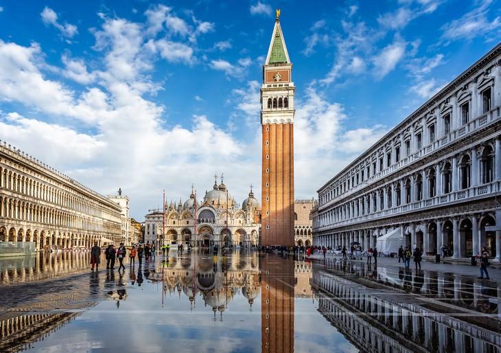 Inundada Venecia Piazza San Marco (Plaza de San Marcos) en 2018