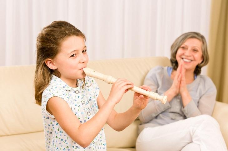 """Frases Que Los Abuelos Deben Evitar Decir a Sus Nietos """"¡Buen trabajo!"""""""