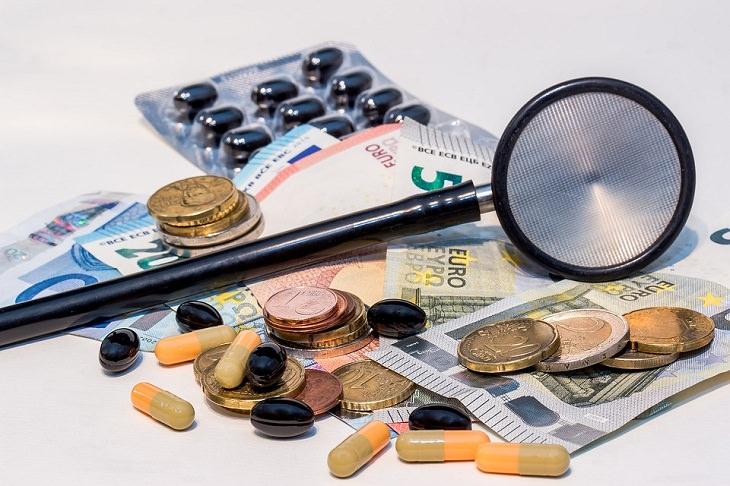 1. Utiliza aplicaciones para comparar los precios de los medicamentos locales