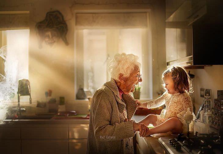 """Fotos vínculo entre abuelos y nietos """"Una abuela es un poco madre, un poco maestra y un poco mejor amiga"""". - Desconocido"""