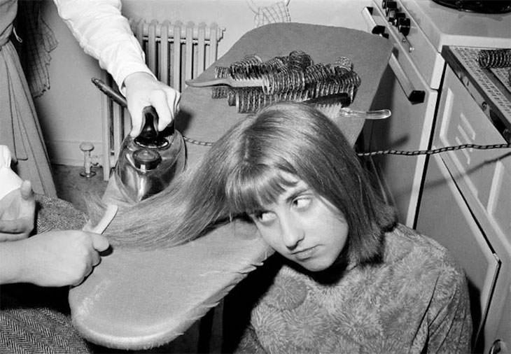 Prácticas De Belleza Del Pasado Planchar el cabello para alisarlo, 1964