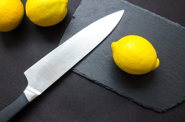 2. Cuchillos no limpiar con vinagre