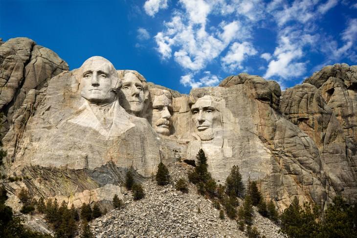 2. El Salón de los Registros en Mount Rushmore