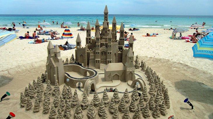 castillos de arena bosques