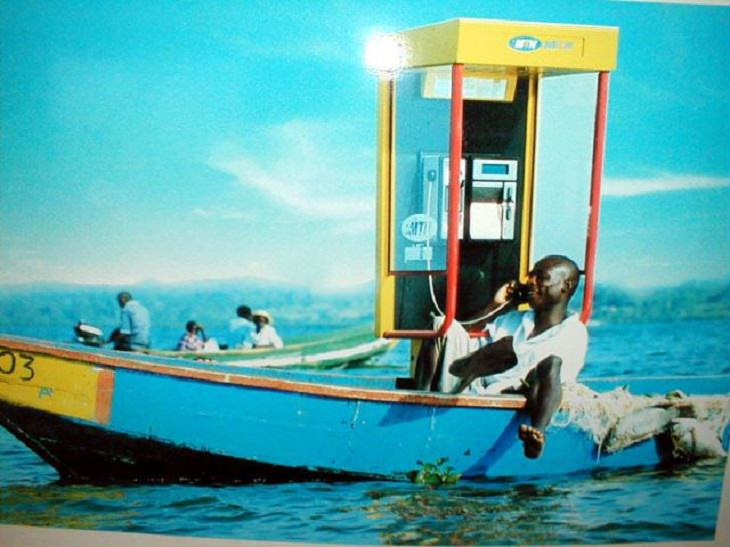 2. Hablar por teléfono móvil mientras navega