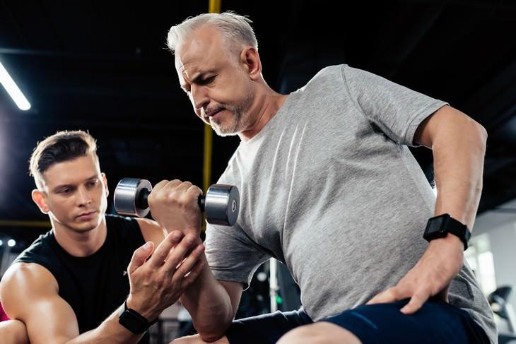 ¿Deberían las personas mayores abordar el ejercicio de manera diferente a los jóvenes?