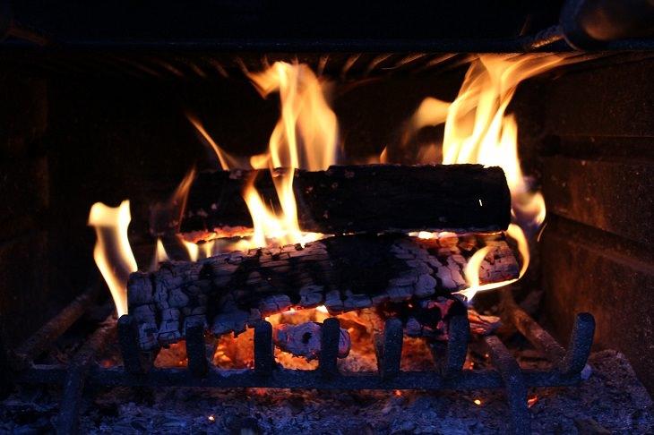 Cosas Que No Debes Limpiar Con Una Aspiradora Cenizas de las chimenea
