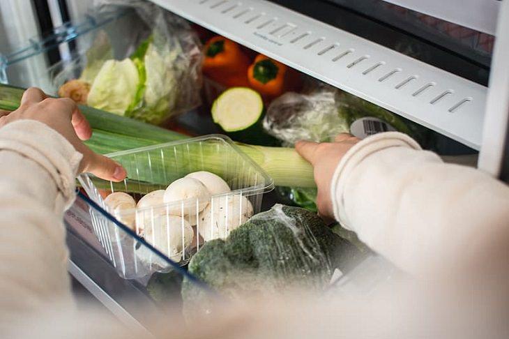 1. Limpia tu cajón para verduras