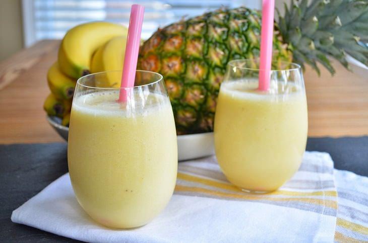 1. Batido de piña y plátano