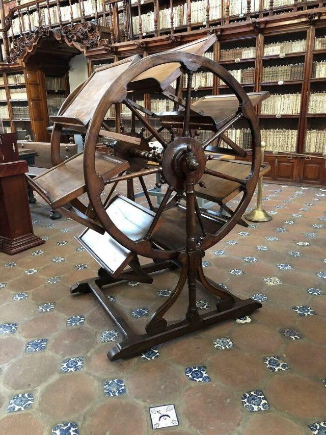 Inventos Tecnológicos Del Pasado Esta máquina misteriosa de 300 años se encuentra en la Biblioteca Palafoxiana de Puebla