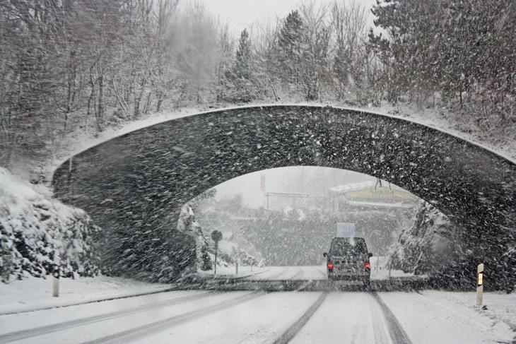 ¿Deberíamos Precalentar El Motor Del Carro Cuando Hace Frío?
