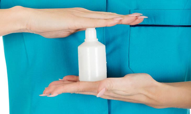 Remedios sudoración excesiva  Peróxido de hidrógeno