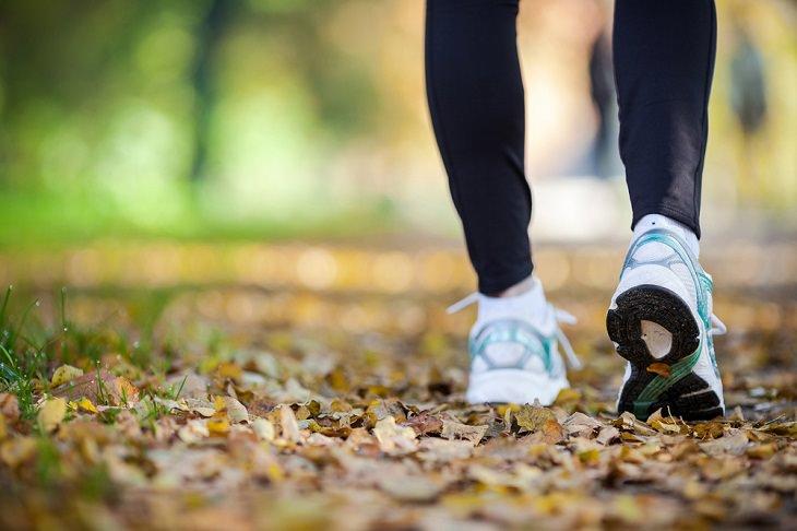 Errores Al Caminar Usar los zapatos incorrectos