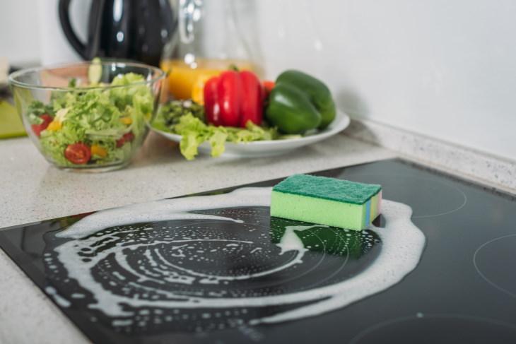 2. Jabón para platos y esponjas no dejar en la encimera