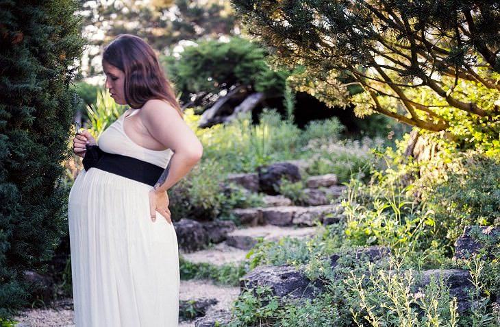 10 Síntomas Comunes De Embarazo y Cómo Lidiar Con Ellos Dolor Lumbar
