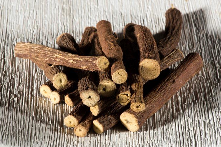 Remedios Caseros Para El Reflujo Regaliz y otras hierbas