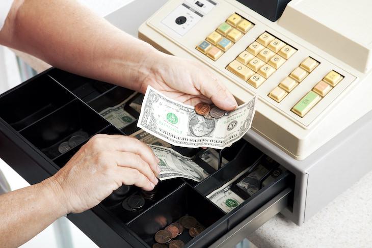 Lo que sabemos sobre la propagación de gérmenes a través del dinero