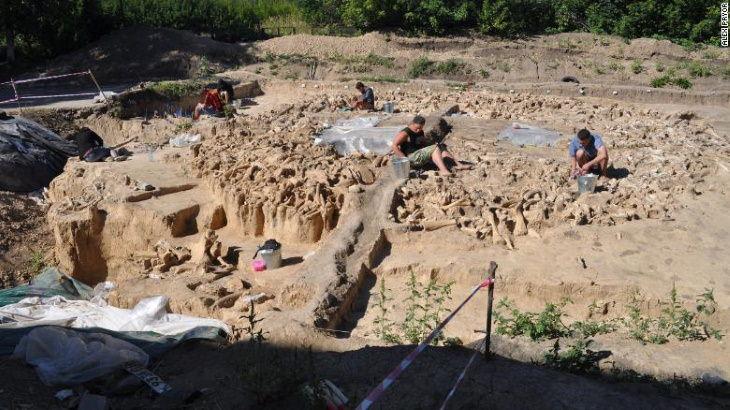Descubrimientos Arqueológicos Del 2020 Una estructura masiva hecha de huesos de mamut hallada en Rusia