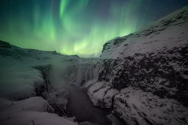 """Las Mejores Fotos De Auroras Boreales Del 2020 """"Naturaleza mística"""" de Virginia Yllera"""