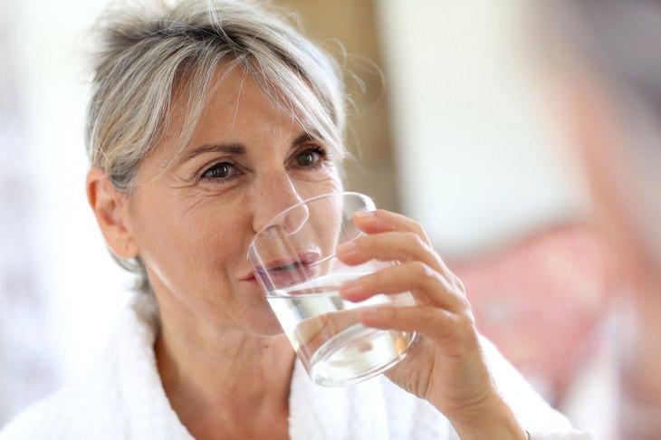 Factores Que Influyen En Nuestras Necesidades Diarias De Agua Tu edad