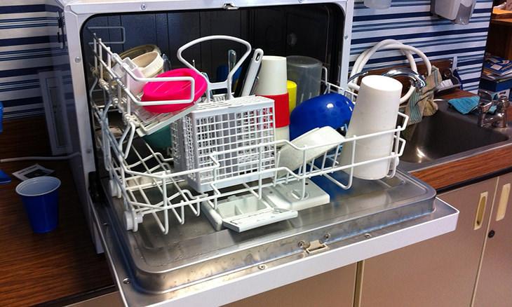 25 Días Para Dejar Tu Casa Perfecta Carga tu lavavajillas (no con platos)