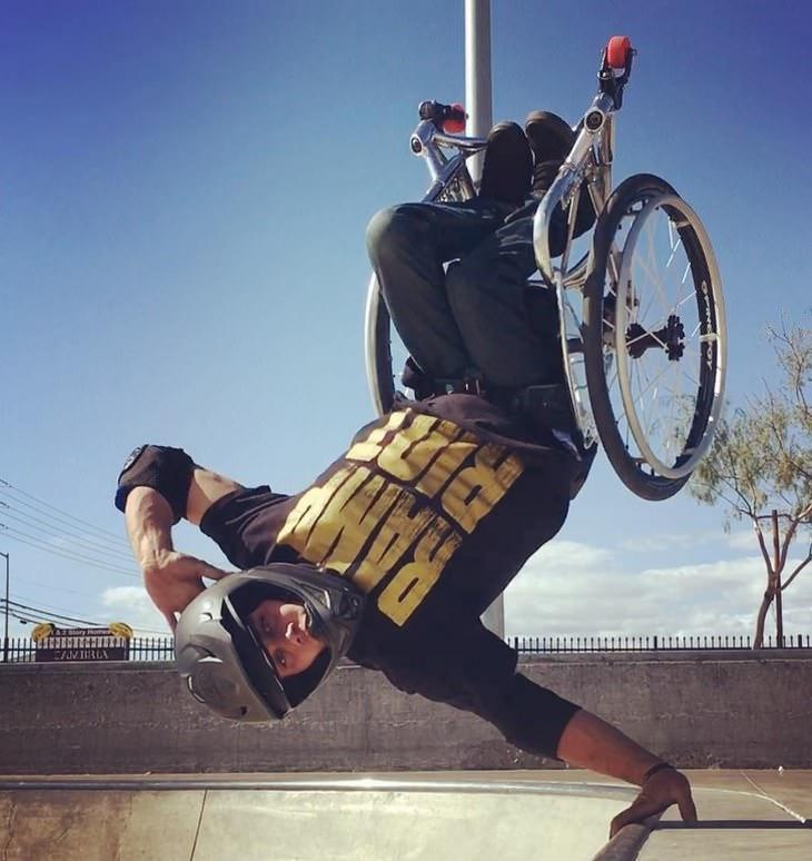Imágenes de héroes de la vida real  Aaron Wheelz