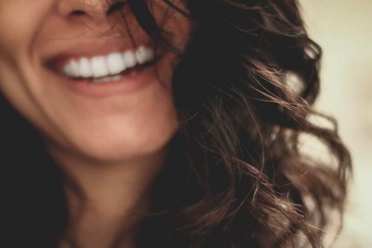 16 errores salud mediana edad Descuidar la salud bucal