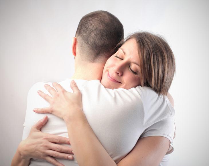 Los 12 Trabajos Más Extraños Del Mundo abrazador