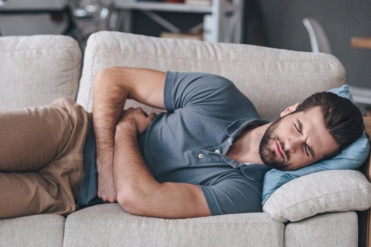 Beneficios De La Hierbabuena  1. Ayuda a problemas digestivos y calambres estomacales