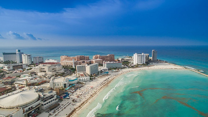 La Majestuosa Belleza De Cancún Una Impresionante Vista de una de las playas de Cancún