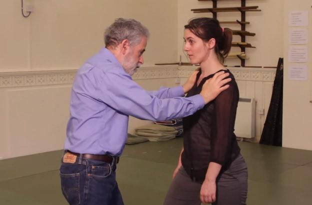 Ejercicios para trabajar con el cuerpo según el enfoque de realización: