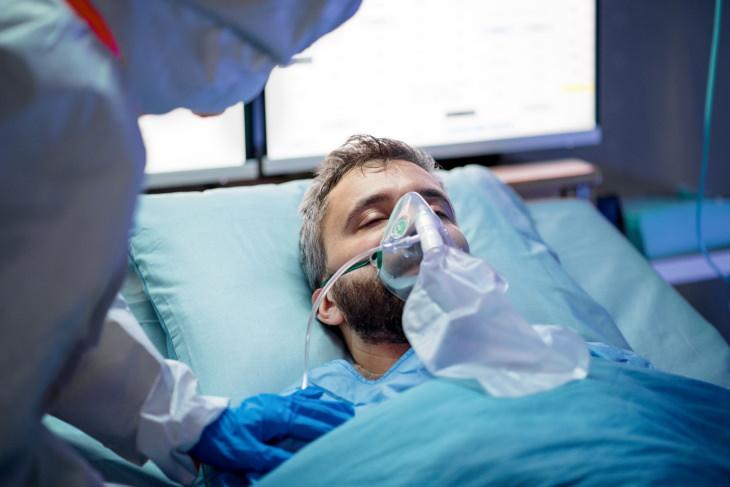 Los hombres tienen más del doble de probabilidades de morir por COVID-19