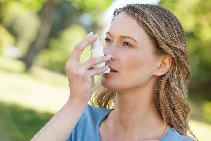 Cómo El Asma Puede Causar Problemas Respiratorios