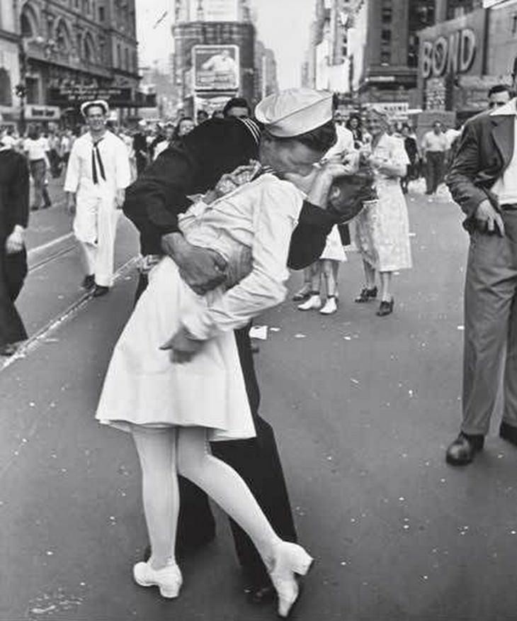 La historia detrás de 6 fotografías históricas El beso del marinero, 1945, ciudad de Nueva York