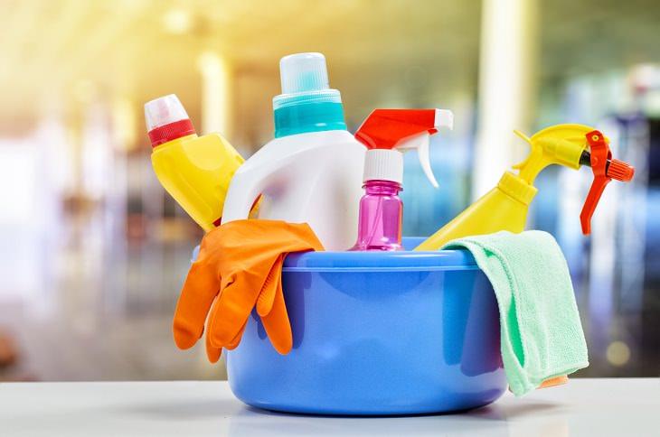 Usa productos de limpieza naturales