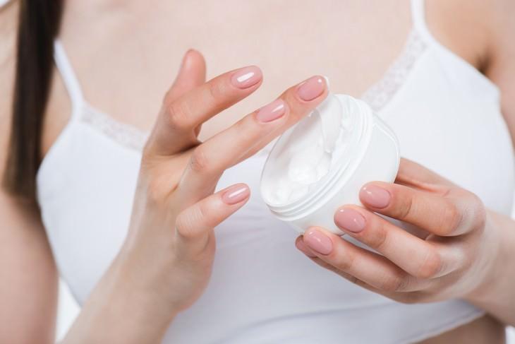 Los tres tipos de ingredientes para mantener la piel hidratada