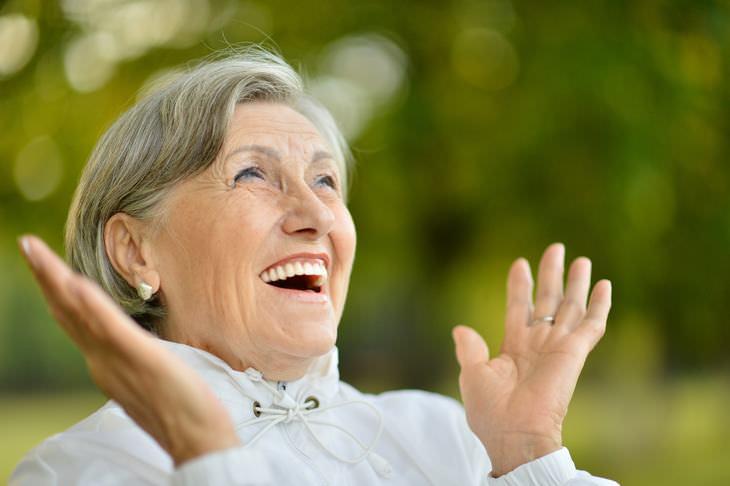 Chiste: La Anciana y El Genio