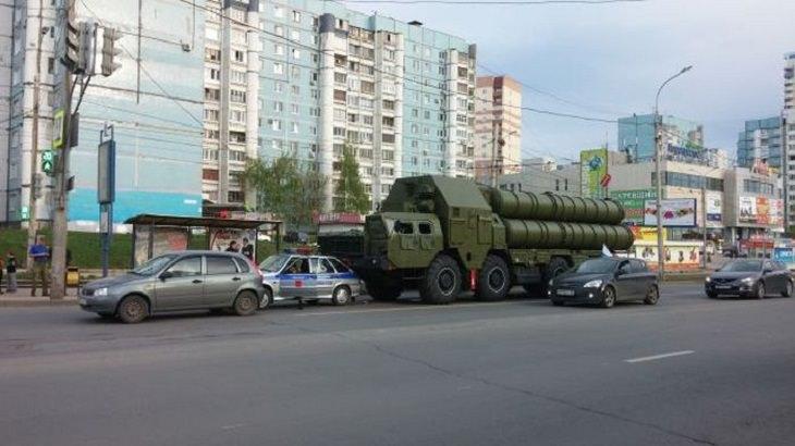 Divertidas Fotografías De La Vida Cotidiana En Rusia tanque militar