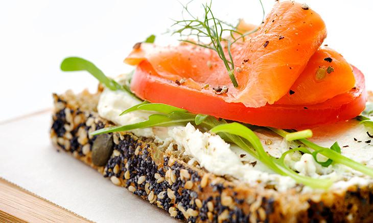 12 Opciones De Desayunos Rápidos Para Comenzar Tu Día receta con pescado