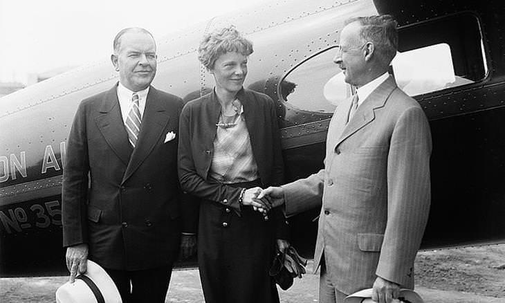 La Historia De Amelia Earhart la mujer que voló sobre el océano Atlántico