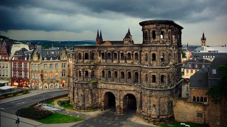 Un Recorrido Fotográfico Por Trier En Alemania  Puerta Negra