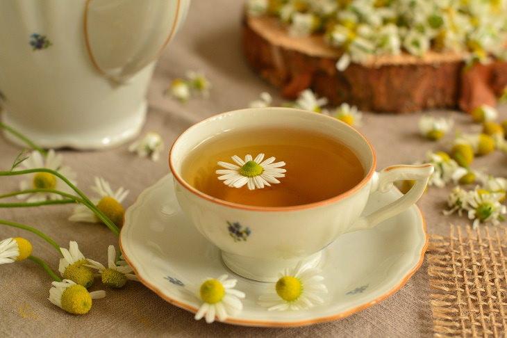 Bebidas que te ayudarán a conciliar el sueño té de manzanilla